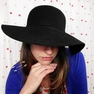Wide Brim Hat Floppy Black 100% Wool
